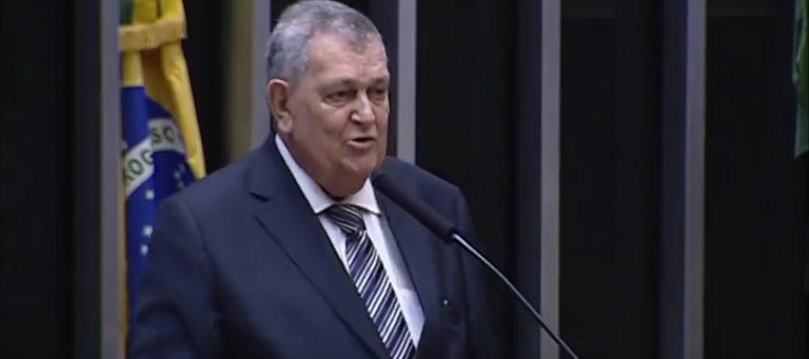 Deputado Federal Arnaldo Faria de Sá alerta para propaganda enganosa e mentirosa que o governo Federal está fazendo sobre a reforma da previdência.